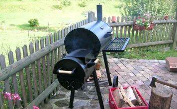 barbecue-smoker