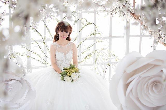 splashes wedding dresses
